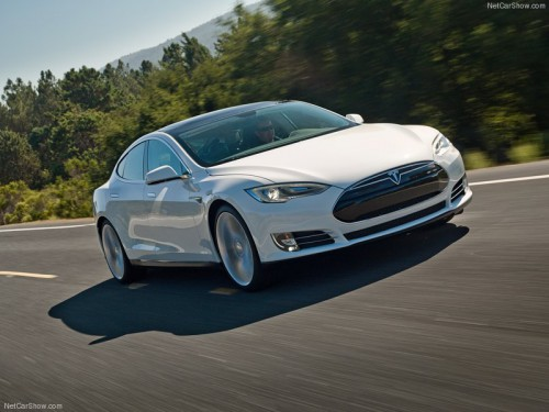 Tesla-Model_S_2013_800x600_wallpaper_04